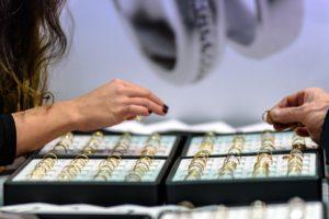 glasmontre-til-smykker